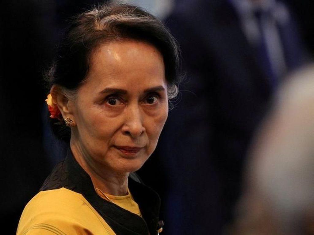 Kanada Cabut Kewarganegaraan Suu Kyi karena Krisis Rohingya