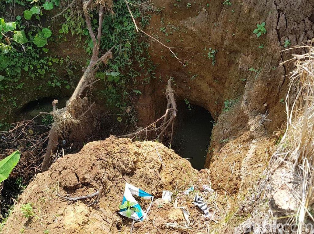 Penampakan Terowongan Pemicu Lubang Besar di Sawah Sukabumi