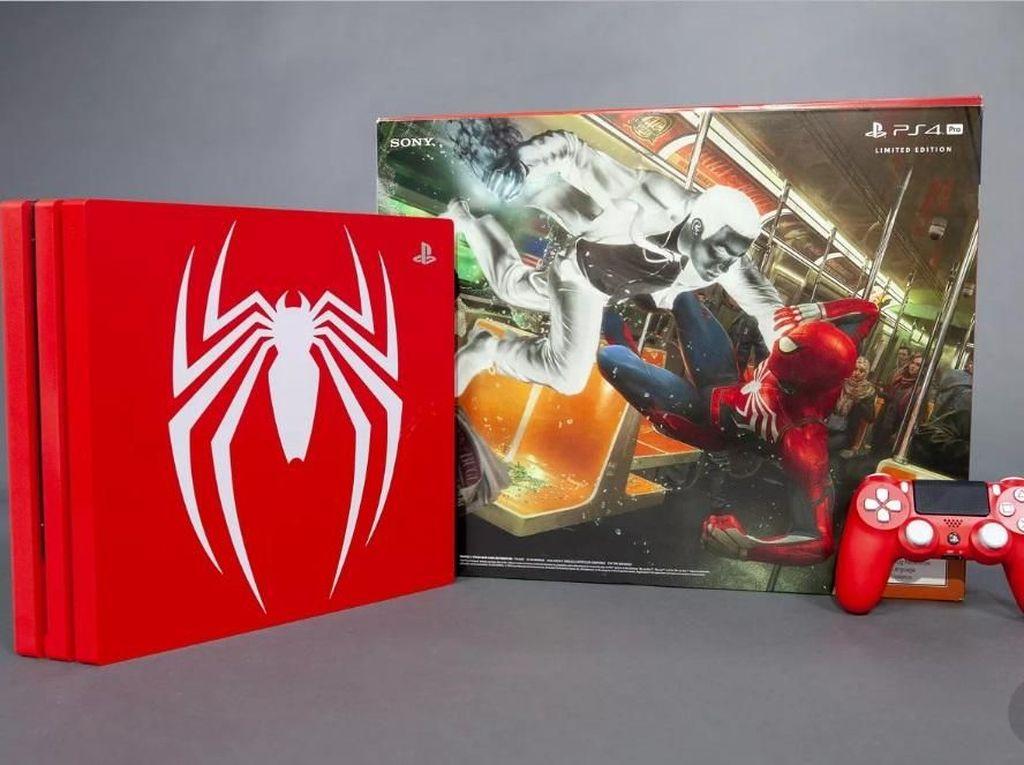 Penampakan PS4 Pro Edisi Spider-Man yang Merah Merona