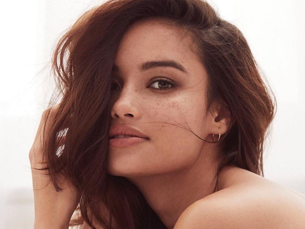 Gaya Liburan Model Filipina Pertama di Victorias Secret