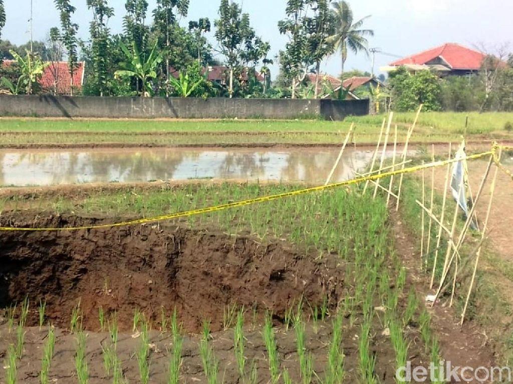 Lubang Besar di Sukabumi Melebar, Begini Solusi PVMBG
