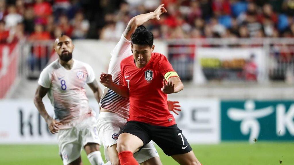 Berlaku Rasis, Pemain Chile Dipermalukan Son Heung-min