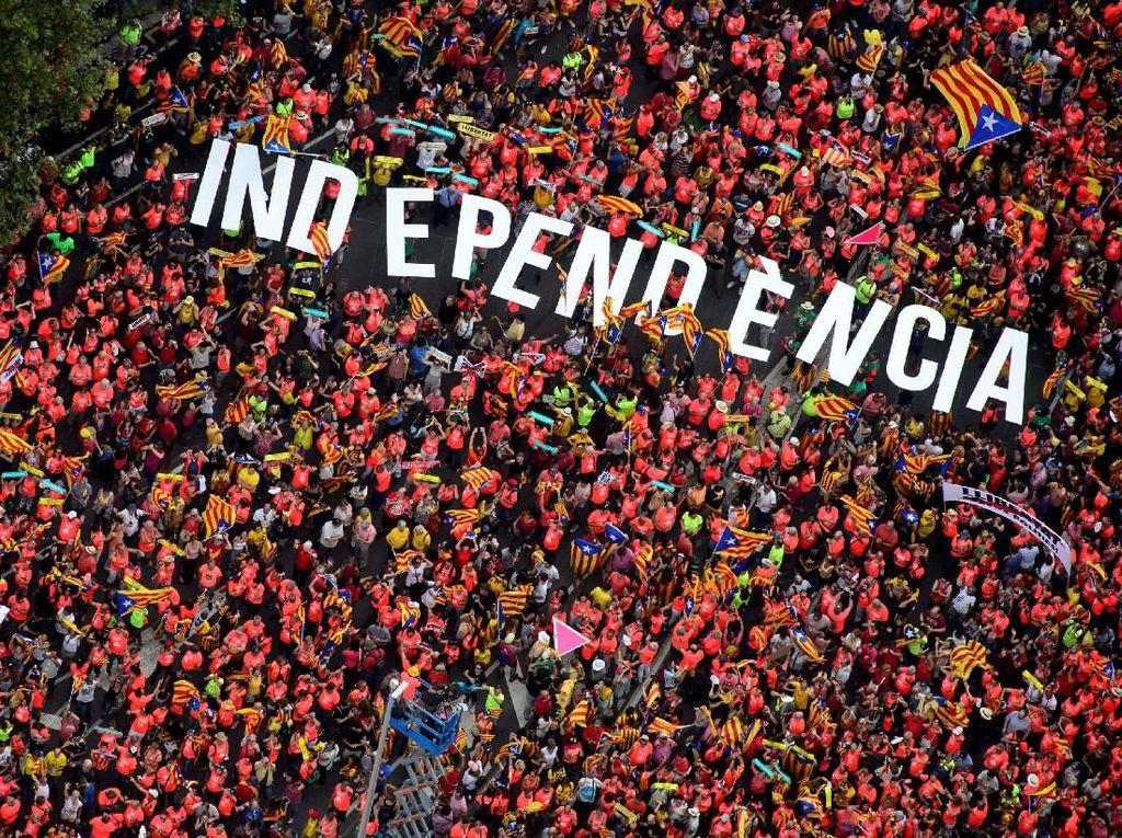 Lautan Manusia di Barcelona yang Serukan Kemerdekaan Catalonia