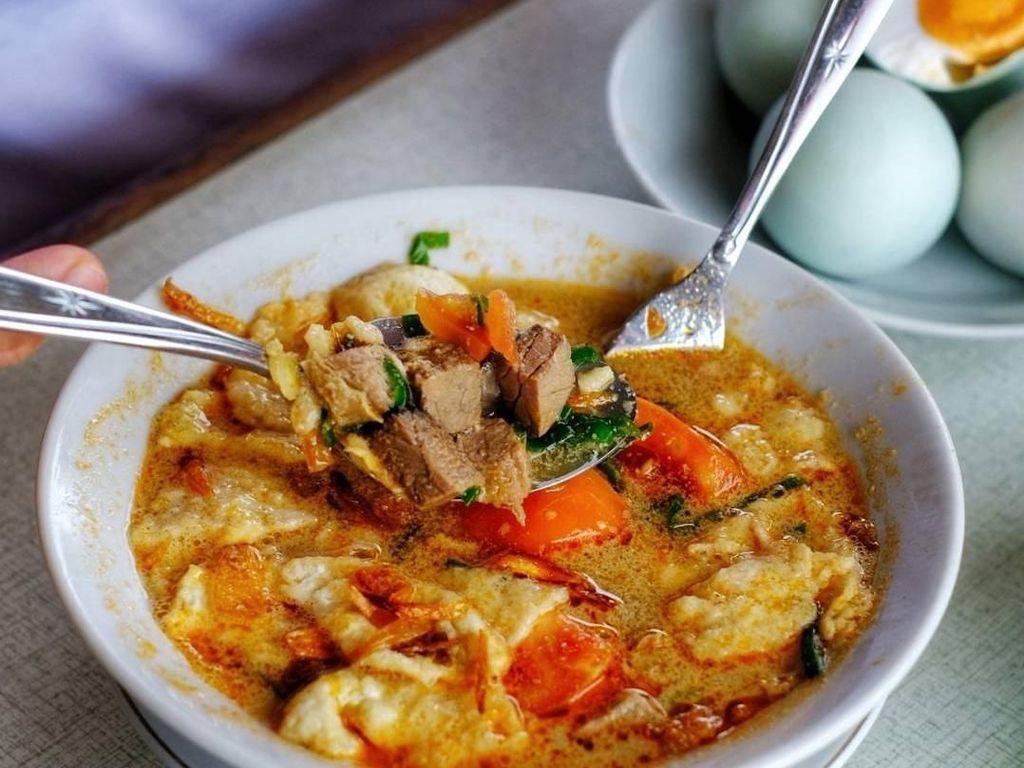 Makan Siang Enak dengan Soto Tangkar di 5 Tempat Ini