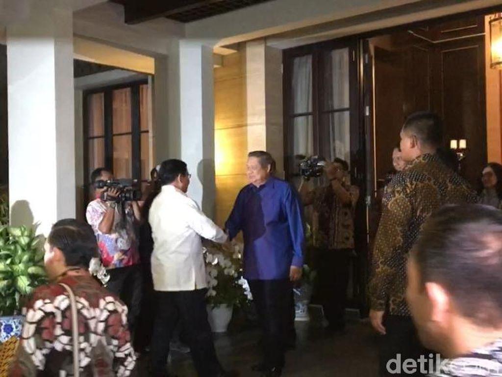 SBY dan AHY Sambut Prabowo-Sandiaga