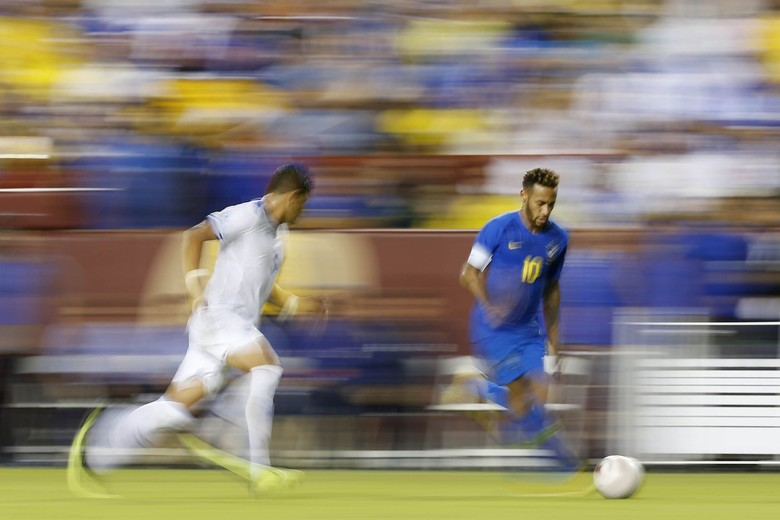 Tim Samba Goyang El Savador 5-0