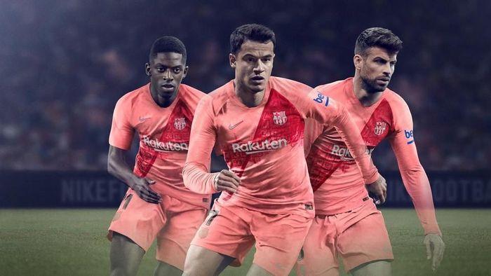 597c49862a3 Jersey ketiga Barcelona musim 2018 2019 (Foto  https   www.