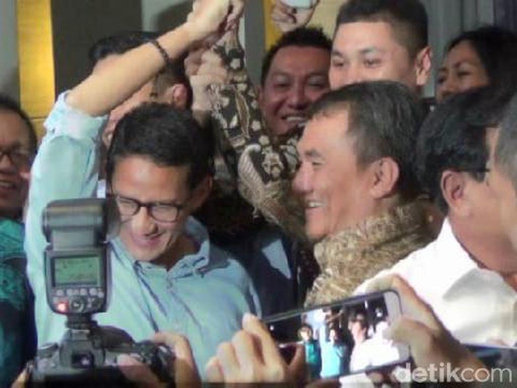 Momen Kemesraan Prabowo-Sandiaga Bersama Andi Arief