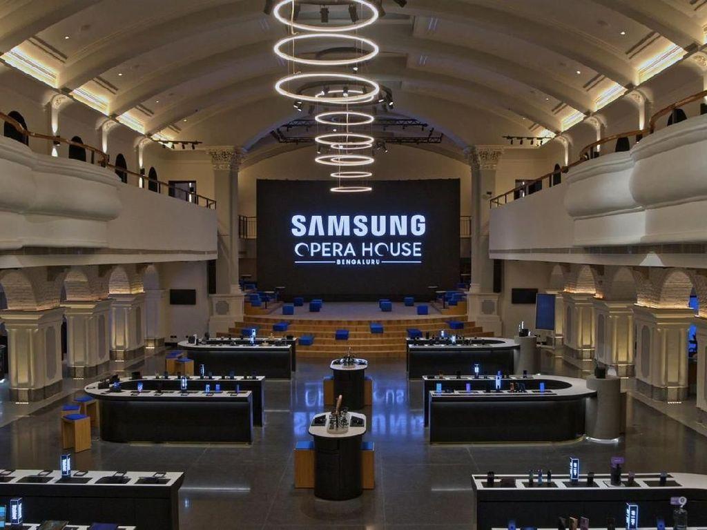 India Kini Punya Toko Ponsel Samsung Terbesar di Dunia