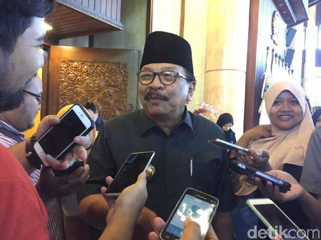 Pakdhe Karwo Janji Tak akan Main Dua Kaki di Pilpres 2019