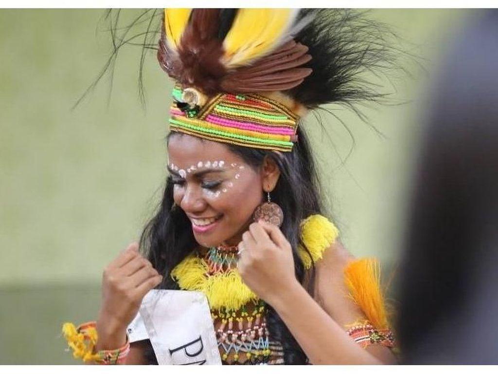 Potret Ellen Aragay, Perempuan Papua di Kontes Kecantikan Dunia