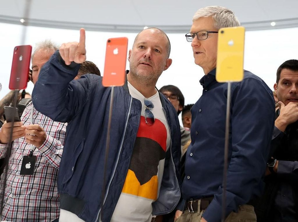 Apple Turunkan Target Pendapatan, Ada Kaitannya dengan China