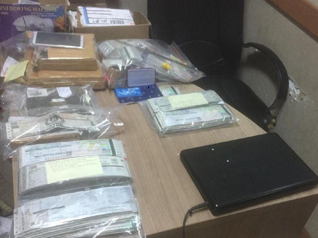 Buka Lapak di Medsos, Sindikat Pemalsu STNK Ditangkap Polisi