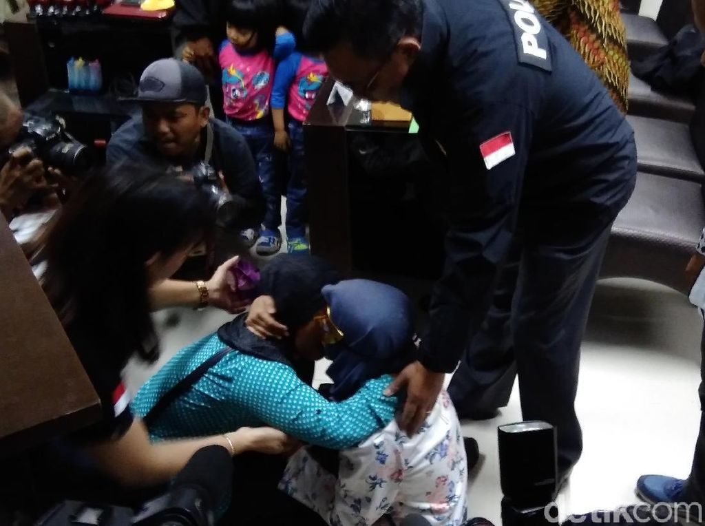 Gadis Sukabumi yang Dijual ke Malaysia Direkrut Lewat Facebook