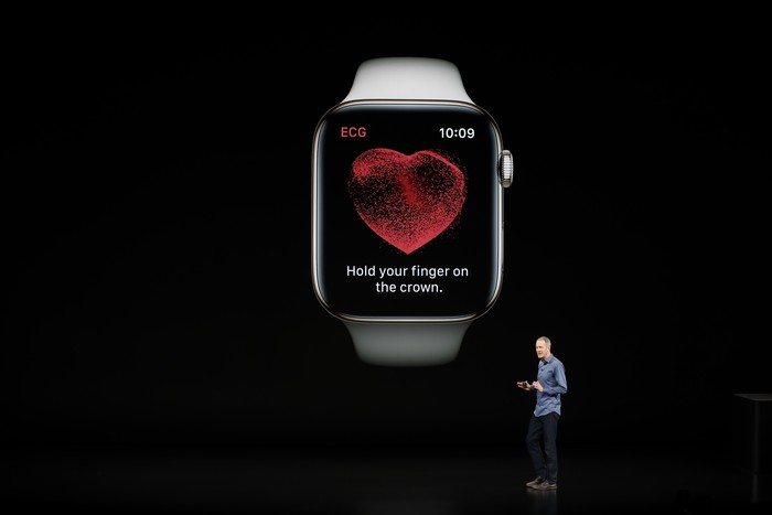 Apple Watch Series 4 meluncur usung desain baru. Foto: Reuters