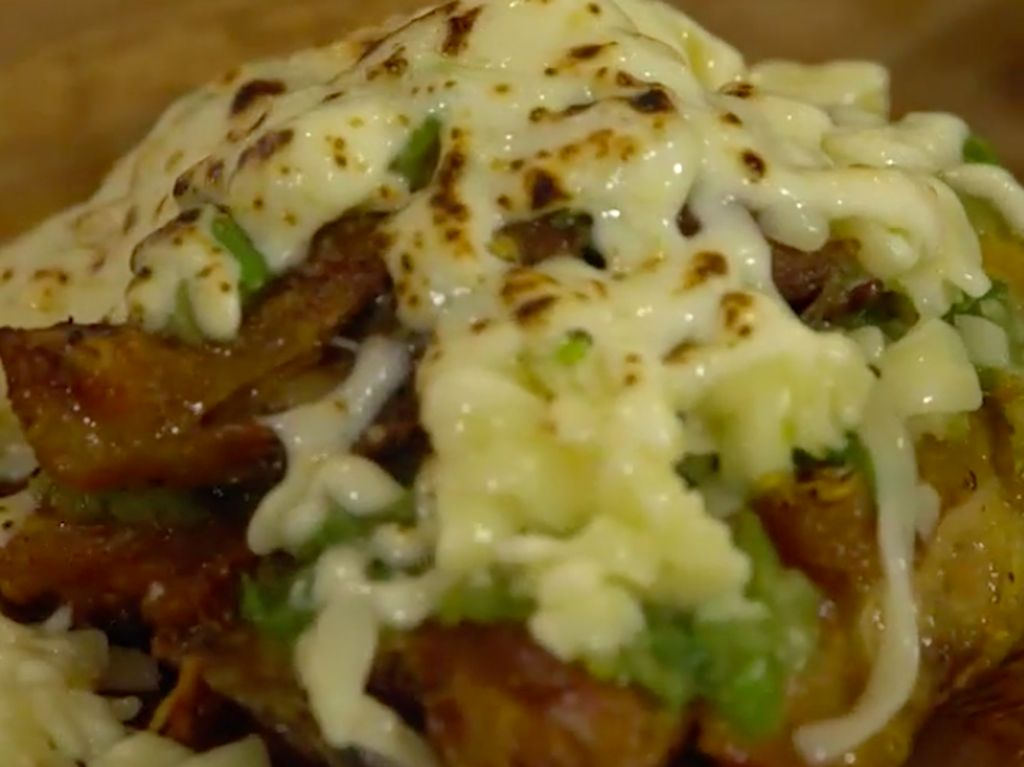 Ini Resep dan Cara membuat Ayam Geprek Mozarella yang Pedas
