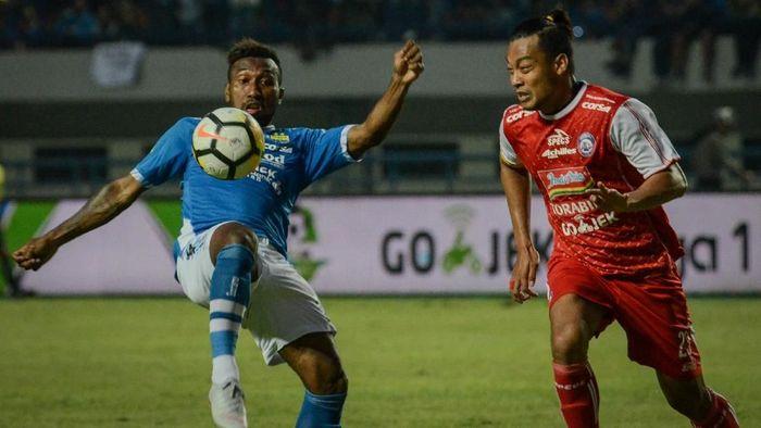 Patrich Wanggai juga akan mengucap salam perpisahan dengan Persib Bandung (ANTARA FOTO/Raisan Al Farisi)