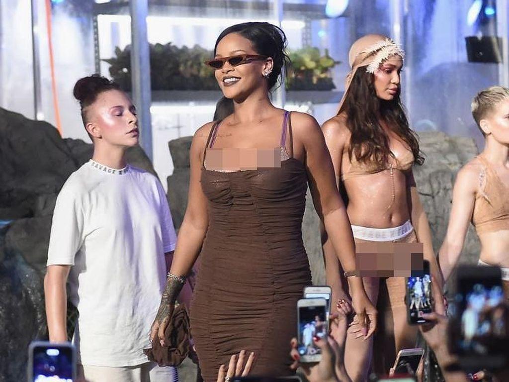 Gelar Fashion Show Lingerie, Rihanna Larang Para Tamu Memotret