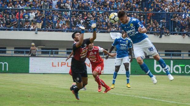 Persib Bandung terpaku di peringkat ketiga pada akhir musim 2018.