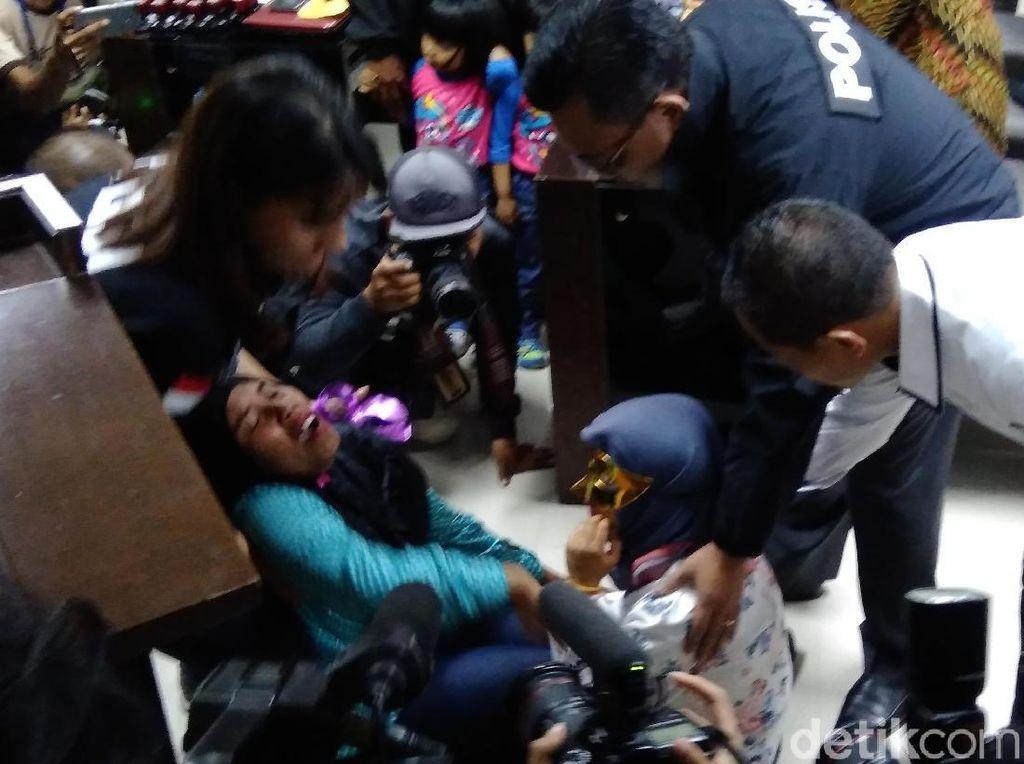 Ibu Gadis Sukabumi Korban TPPO Pingsan Saat Bertemu Anaknya