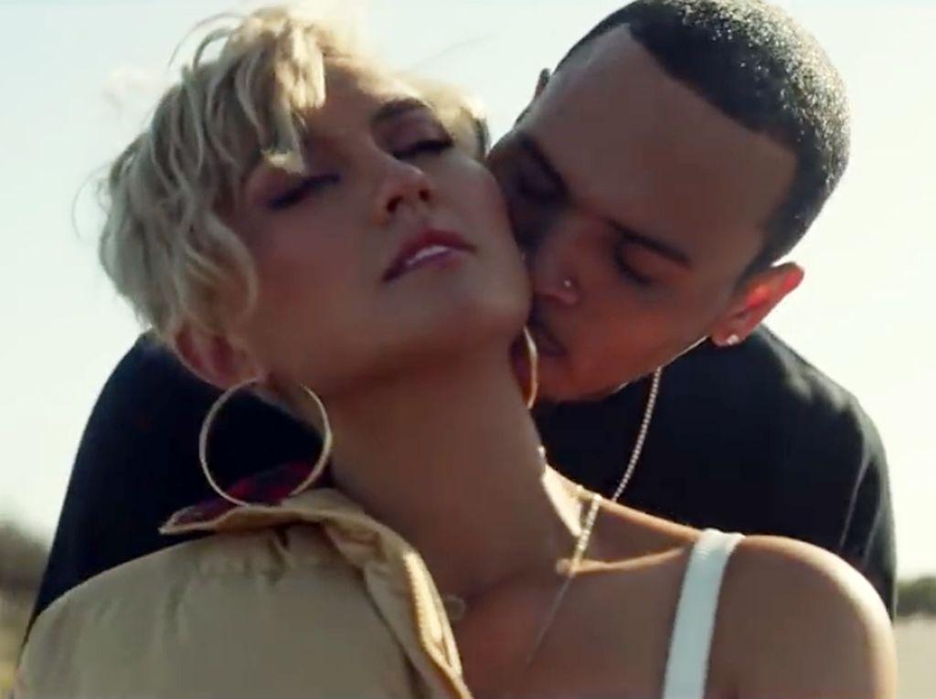 5 Fakta Menarik dari Klip Overdose Agnez Mo dan Chris Brown