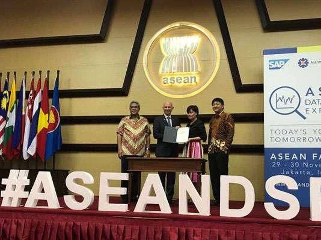 Mahasiswa Indonesia Adu Pintar Atasi Masalah Sosial Pakai Analytics