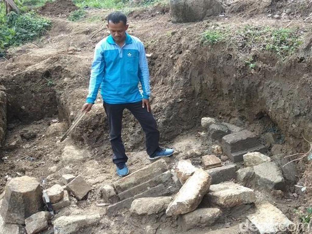 Seorang Pria Temukan Struktur Batu di Semarang, BPCB Siap Ekskavasi
