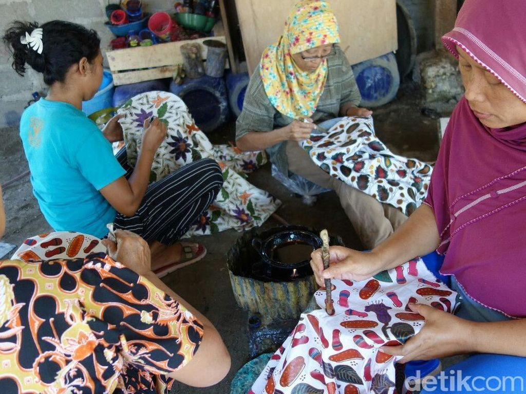 Dolar Masih Tinggi, Pengrajin Batik Colet Kurangi Honor Karyawan