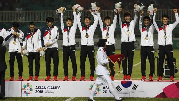Son Heung-min Raih Emas Asian Games, Pochettino Minta Traktir