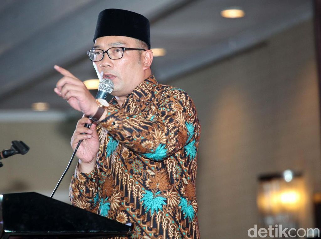 Hoax! Beredar Review Ridwan Kamil Setelah Nonton A Man Called Ahok