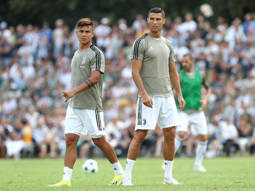 Deretan Pemain yang Punya Keistimewaan Main Bareng Messi dan Ronaldo