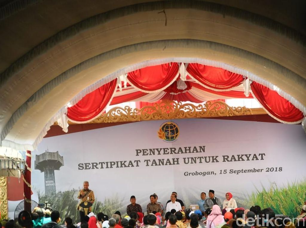Guyonan Ganjar Saat Cerita Permintaan Bupati Grobogan ke Jokowi
