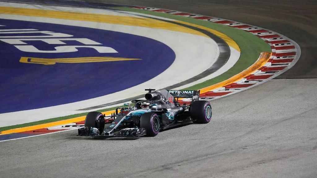 Video: Hamilton Makin Sulit Dikejar Usai Menangi GP Singapura