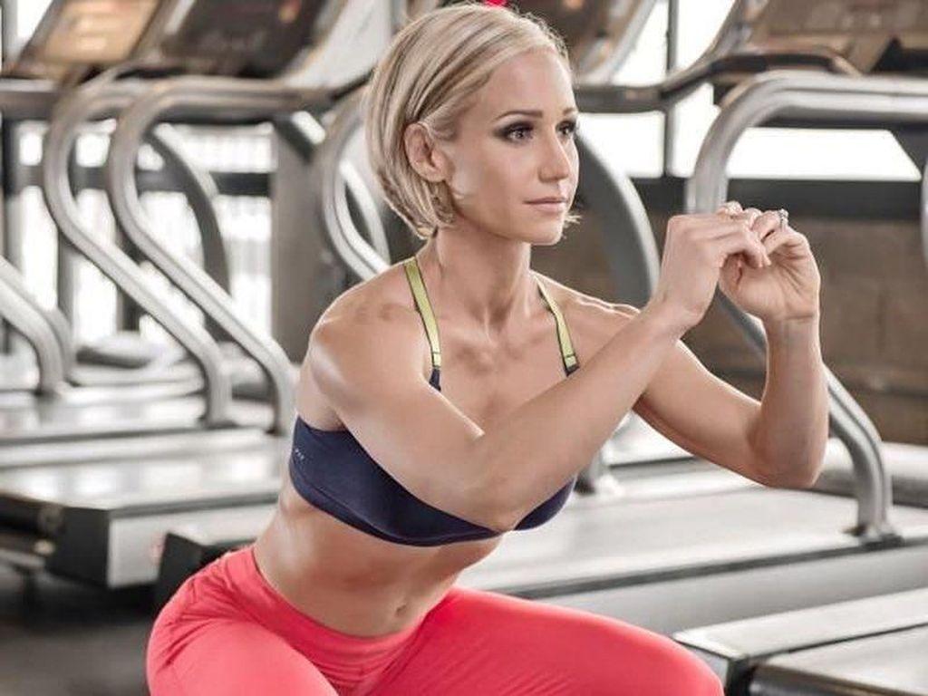 Gaya Hidup Sehat Selamatkan Si Cantik Jamie Eason dari Kanker Payudara