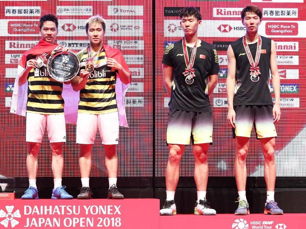 Detik-Detik Kevin/Marcus Ganti Raket di Final Jepang Terbuka