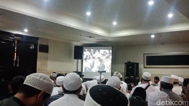 Prabowo Teriakkan Takbir Usai Resmi Didukung Habib Rizieq