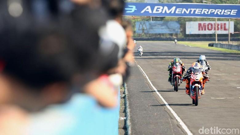 Indonesia CBR Raceday (Foto: Grandyos Zafna)