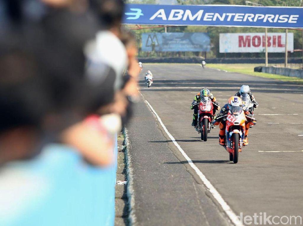 Suka Ngebut Naik CBR? Yuk Simak Indonesia CBR Raceday!