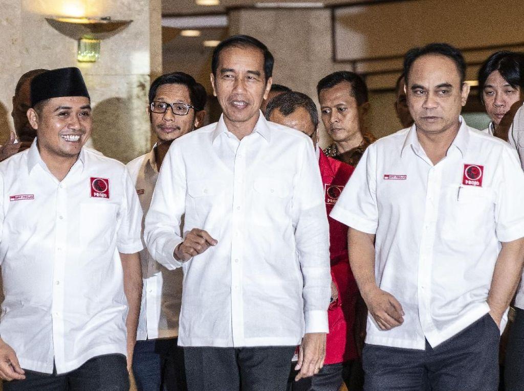 Relawan Jokowi Bubar Diri, PDIP Melepas Pergi