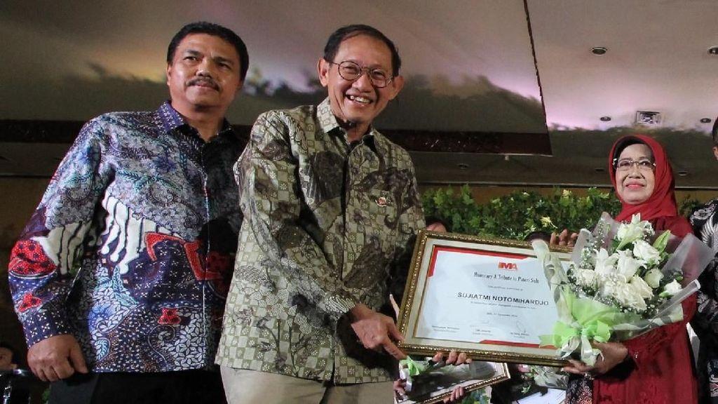 Penghargaan Wanita Indonesia