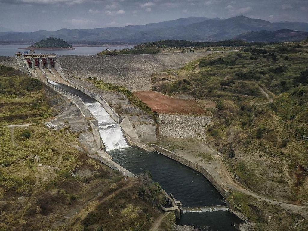 Debit Air Menurun, Permukiman yang Hilang di Jatigede Muncul
