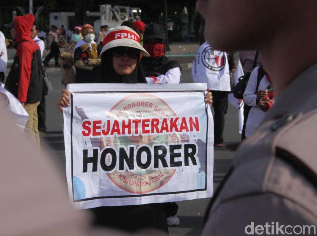 Nasib Tenaga Honorer Ditentukan dalam 5 Tahun