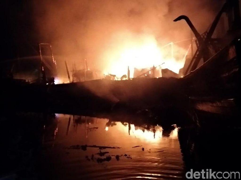 Kapal Terbakar di Perairan Konawe, 7 Orang Tewas