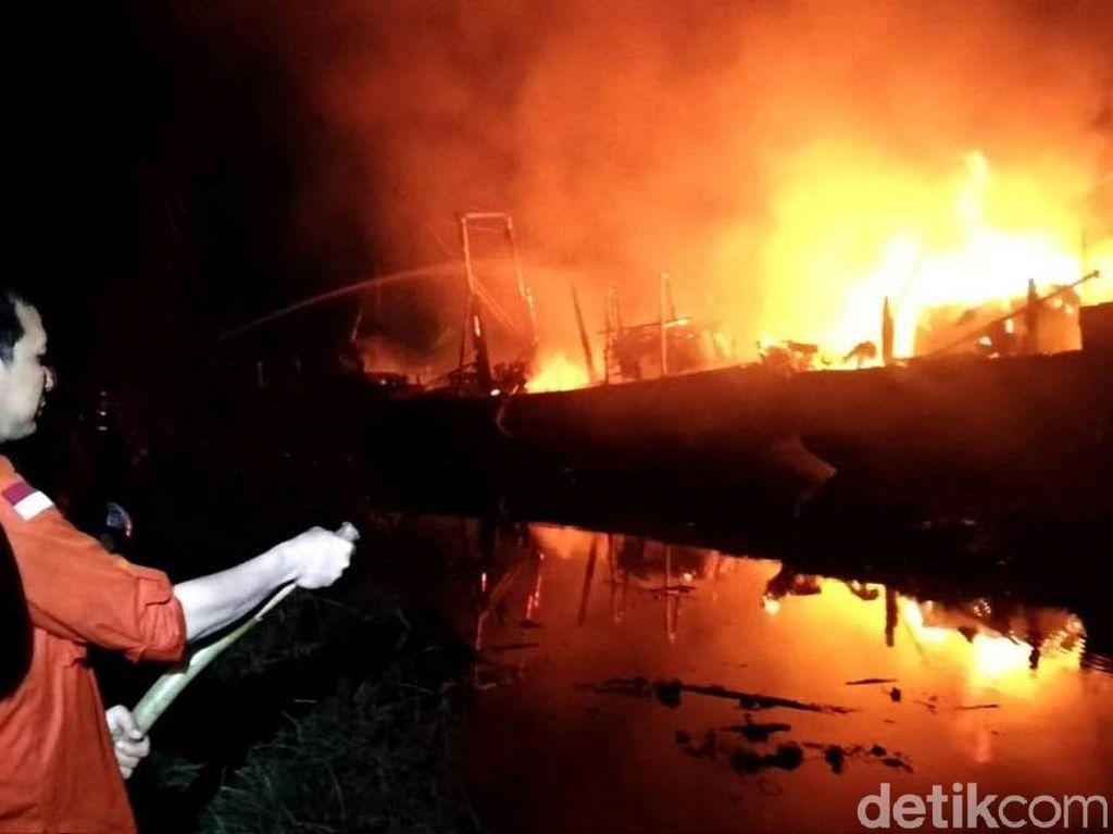 5 Kapal Terbakar Diduga Akibat Pengerjaan Las