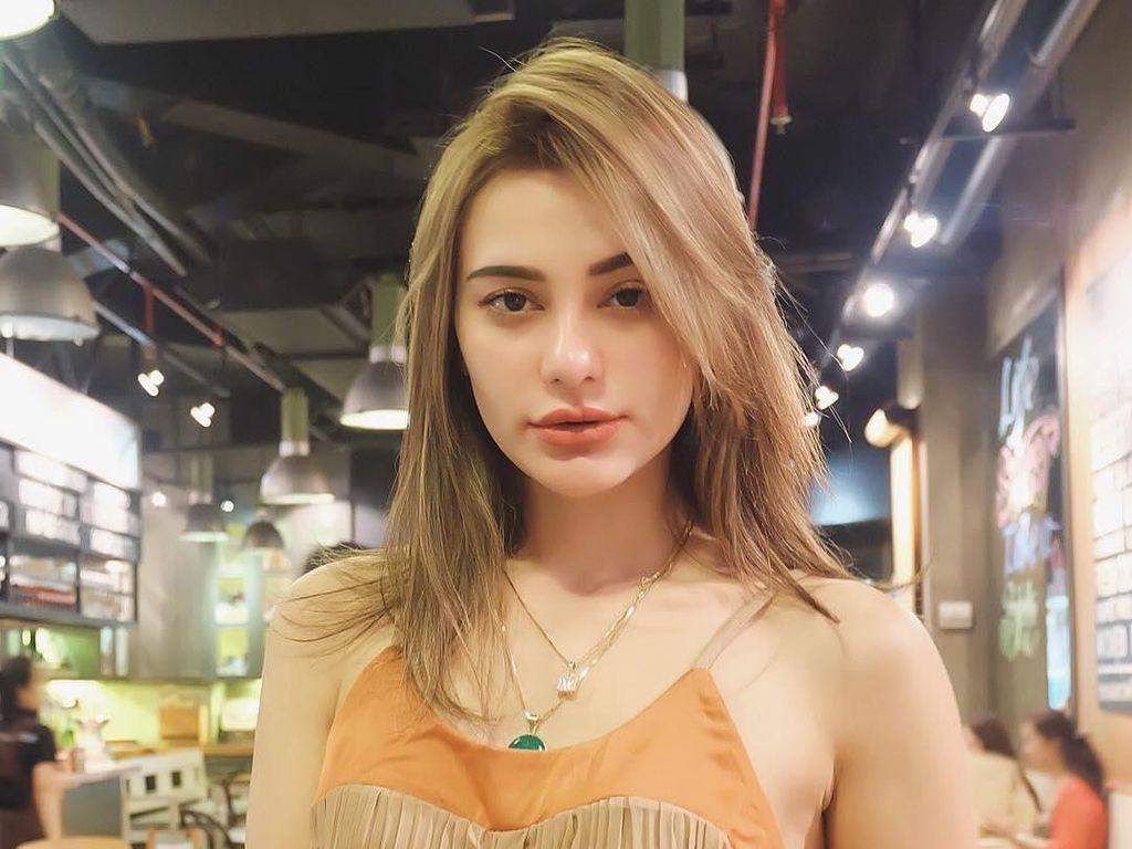 Jerinx SID Unggah Foto Nora Alexandra, Resmi Pacaran?