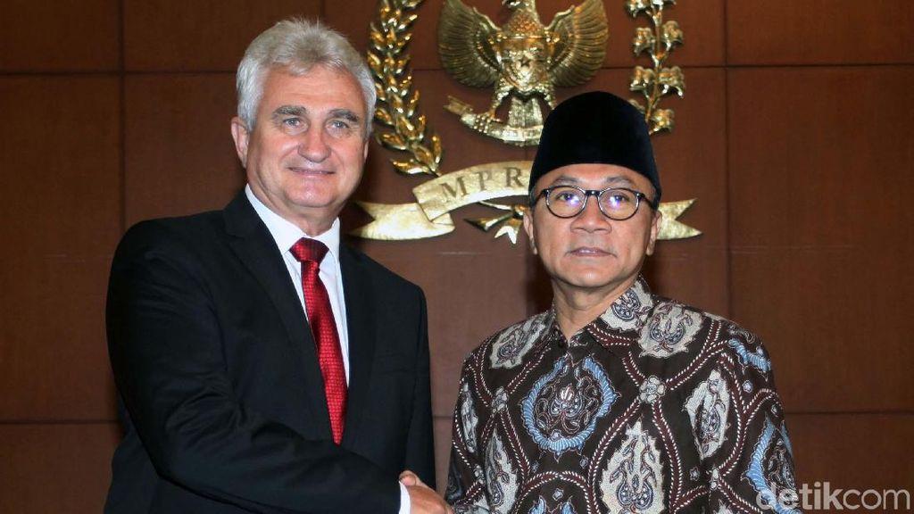 Zulkifli Hasan Terima Presiden Senat Ceko