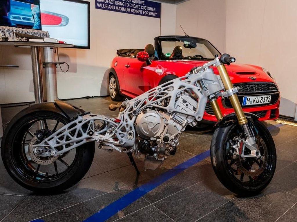 BMW Mulai Pamer Produksi Melalui Printer 3D