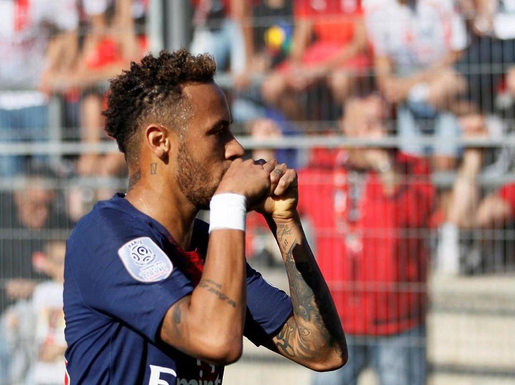 Si Merah Tak Mau Terperdaya Aksi Tipu-Tipu Neymar