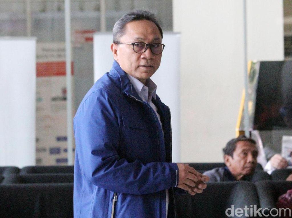 Disoraki Mahasiswa karena Promo Prabowo-Sandi, Zulkifli Santai