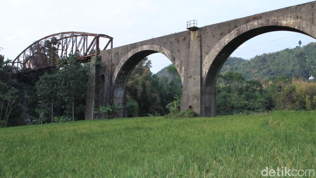 Jalur KA Cibatu-Garut Direaktivasi, 1.500 Rumah Warga Ditertibkan